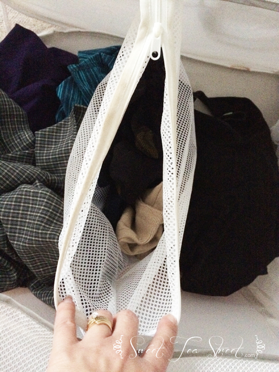laundry bag with zippered dividers