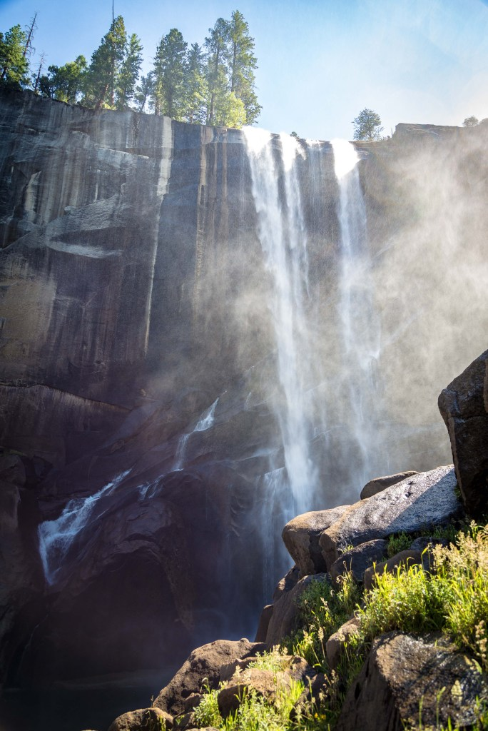 Yosemite's Mist Trail to Vernal Falls | www.sweetteasweetie.com