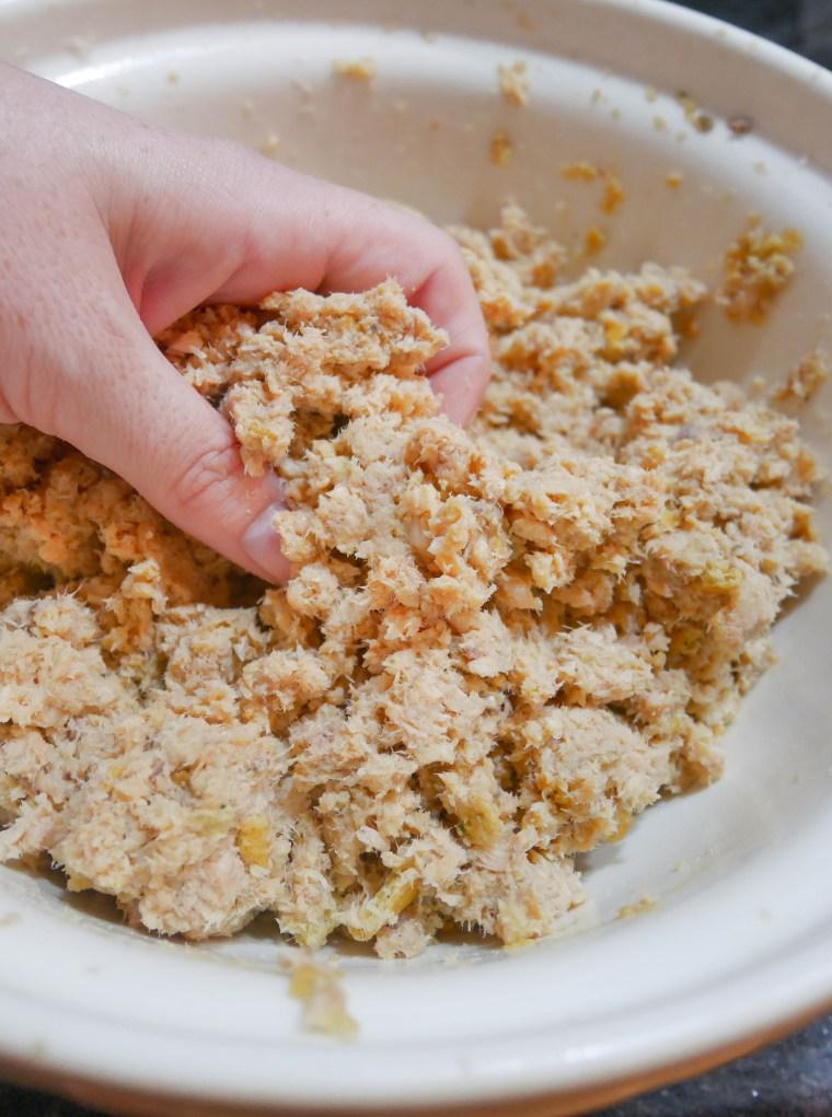 Salmon Cakes | www.sweetteasweetie.com