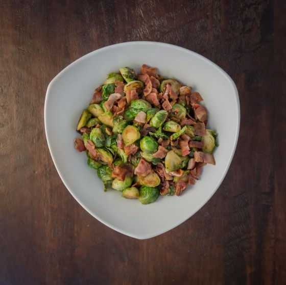 Maple Bacon Brussel Sprouts | www.sweetteasweetie.com