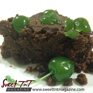 Fruit cake. Christmas with Marina - Trinbago woman - in sweet T&T for Sweet TnT Magazine, Culturama Publishing Company, for news in Trinidad, in Port of Spain, Trinidad and Tobago, with positive how to photography.