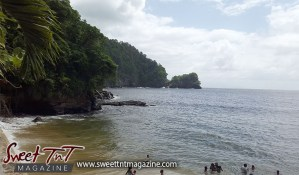 Macqueripe Bay, Beach, Mountains, Sweet T&T, Sweet TnT, Trinidad and Tobago, Trini, Travel, Vacation, Tourist, bathe, sunbathing, water, waves, seas, bathing suit, lime, vacation, family, outing, children, how to, women, men, children