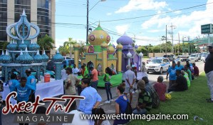 Hosay Muslim floats in streets in Sweet T&T, Sweet TnT, Trinidad and Tobago, Trini, Travel, Vacation, Tourist, Hosay, Muslim, Parade, Tomb, Drummers, Funeral Procession, Woodbrook, St James, St Clair, Palm, Dancing the moon, Tadjahs, Moons, Tadjahs, mosques, Hussein, Hassan, tombs, tassa side, two moons, Husayn, Hassan