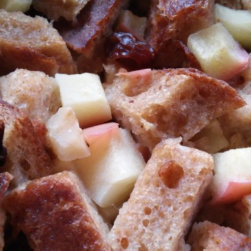 Simple Vegan Bread Pudding with Apple and Raisins