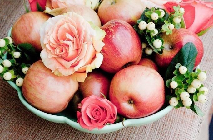 apple wedding centerpiece