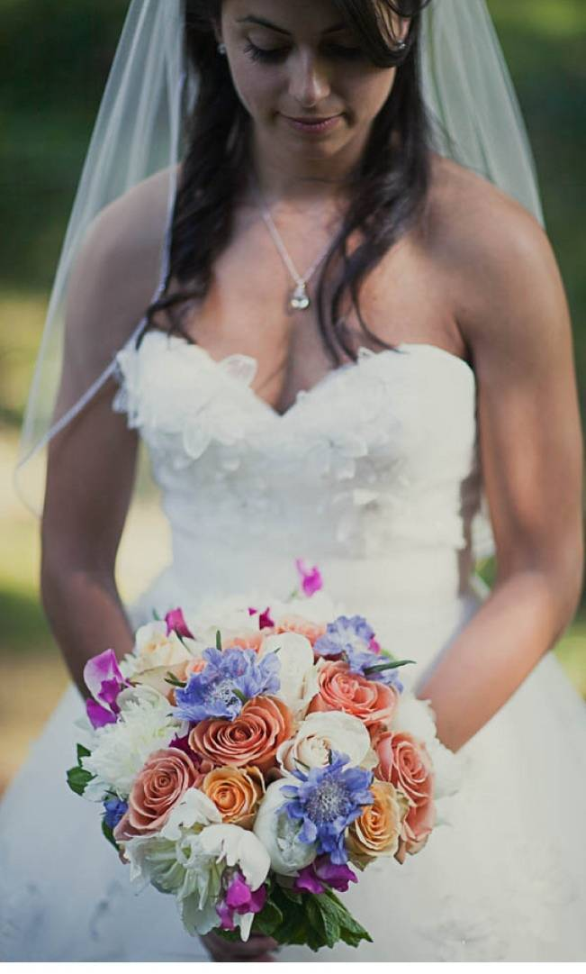 orange white periwinkle bouquet