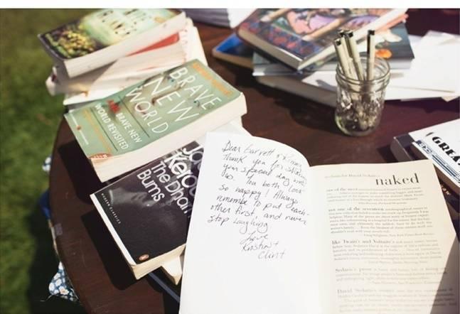 alternative guest book idea