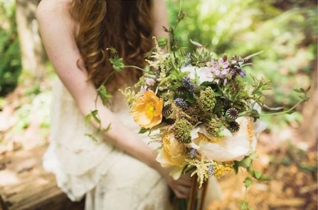 earthy organic rustic wedding bouquet