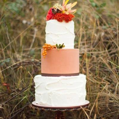 12 Rustic Autumn Wedding Cakes you'll Love