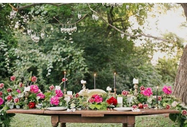 pink flower table garland