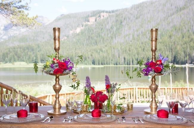 gold and red wedding table