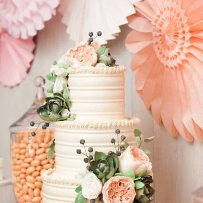 13 Inspiring Sugar Flower Wedding Cakes