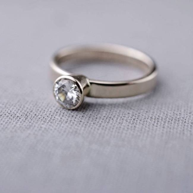 1-moissanite-engagement-ring-white-gold-14K-lilyemme-valerie