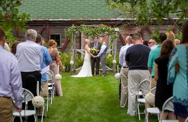 Hops Themed Wisconsin Farm Wedding {Studio Jada Photography} 14