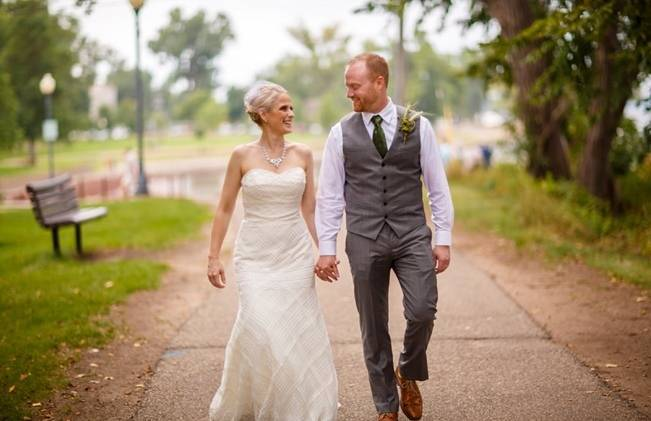 Hops Themed Wisconsin Farm Wedding {Studio Jada Photography} 15