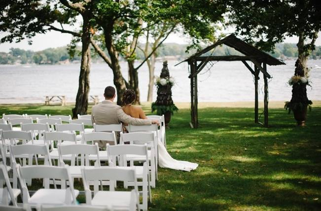 Plum Lakeside Ohio Wedding {Mindy Sue Photography} 18