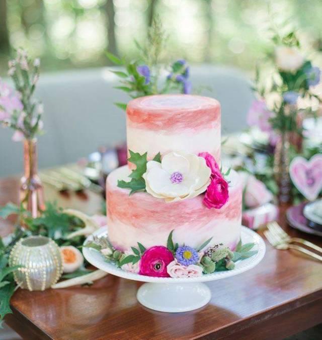 Watercolor wedding cake pink via pinterest