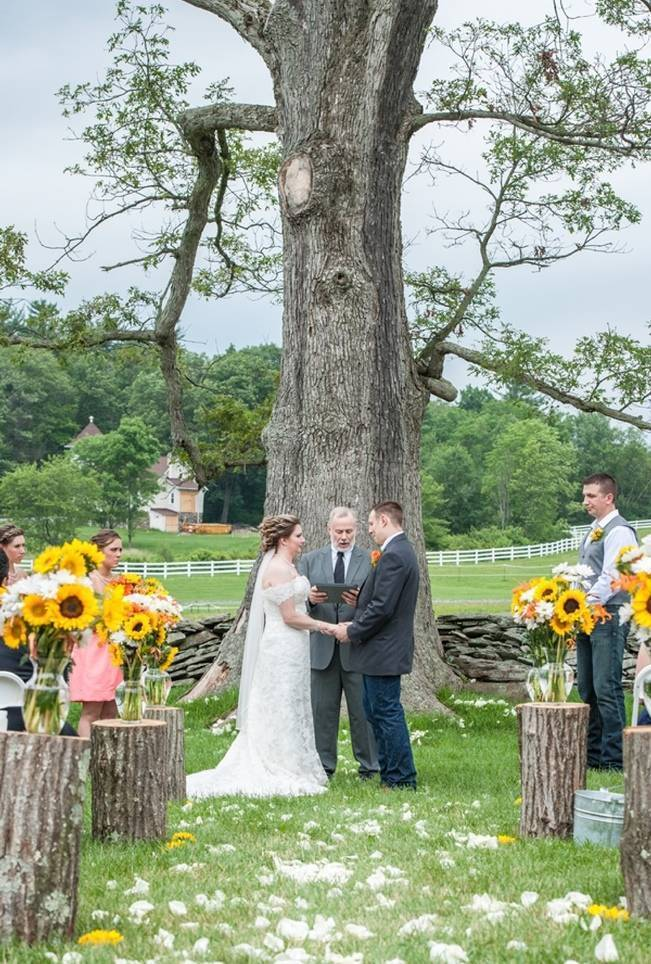 Rustic Pennsylvania Sunflower Wedding at Friedman Farms 9