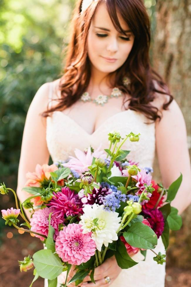 Beautiful Outdoor Oregon Wedding Reception at Ron's Pond {Kel Ward Photography} 1