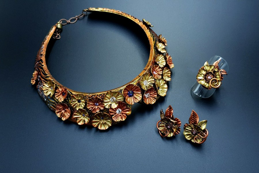 Flowers in Metal Jewelry set 04