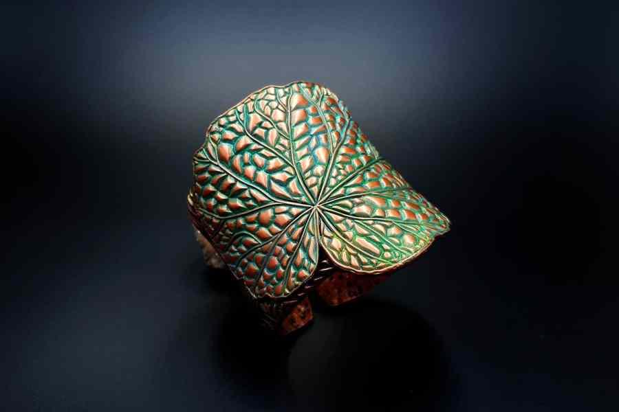 Product Begonia Leaf Bracelet Cuff 01