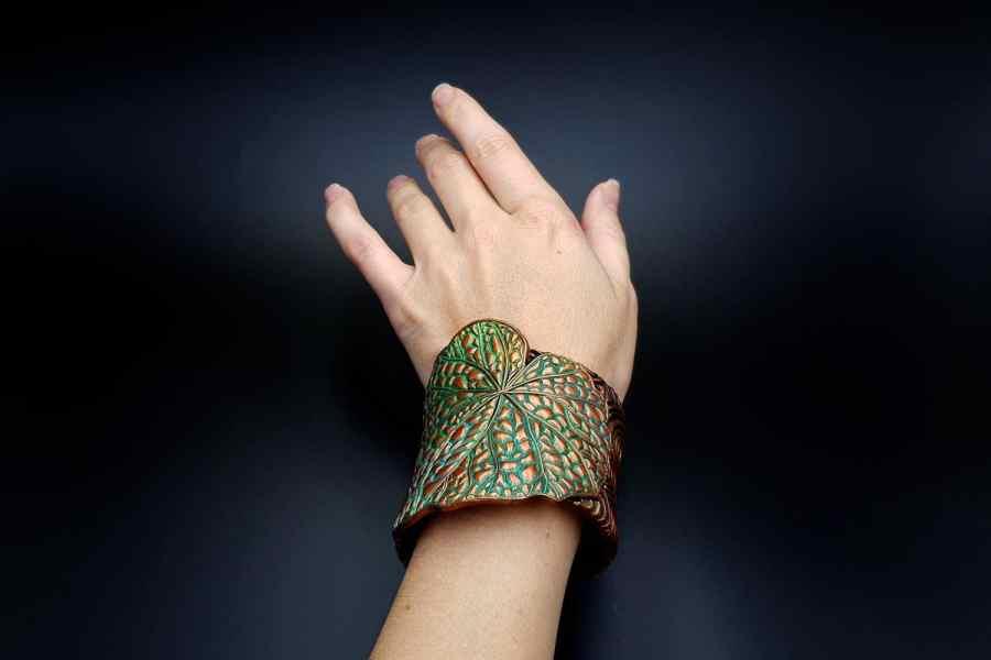 Product Begonia Leaf Bracelet Cuff 07