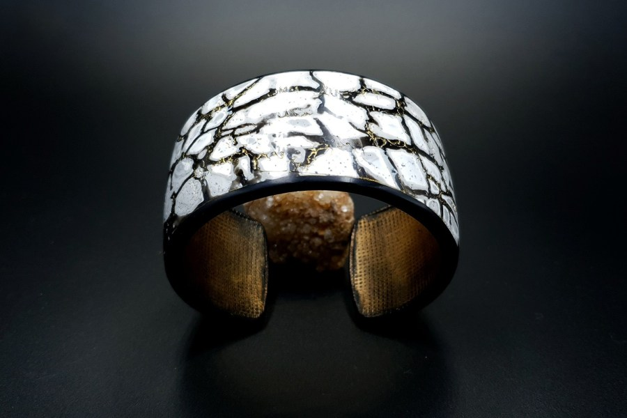 Product Cracked Marble Bracelet Cuff 01