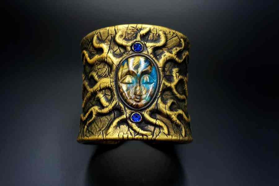 Product Goddess Face Bracelet Cuff 02