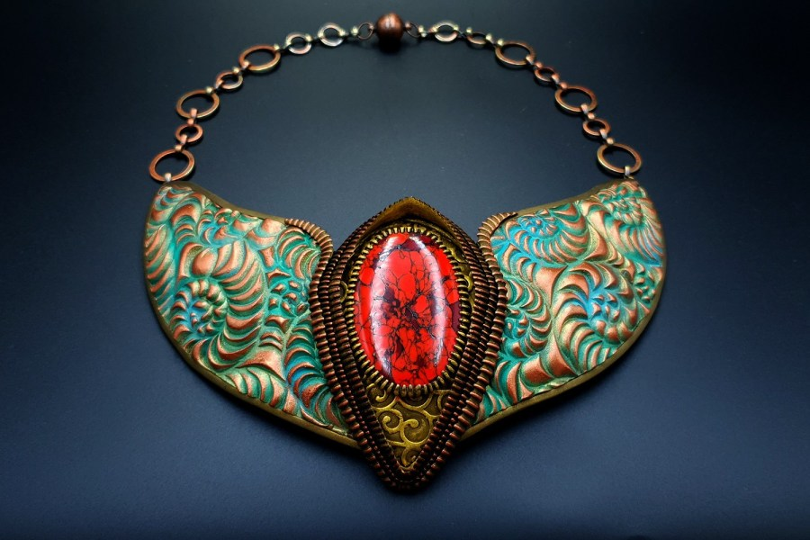 Product Medieval Treasure Necklace 03