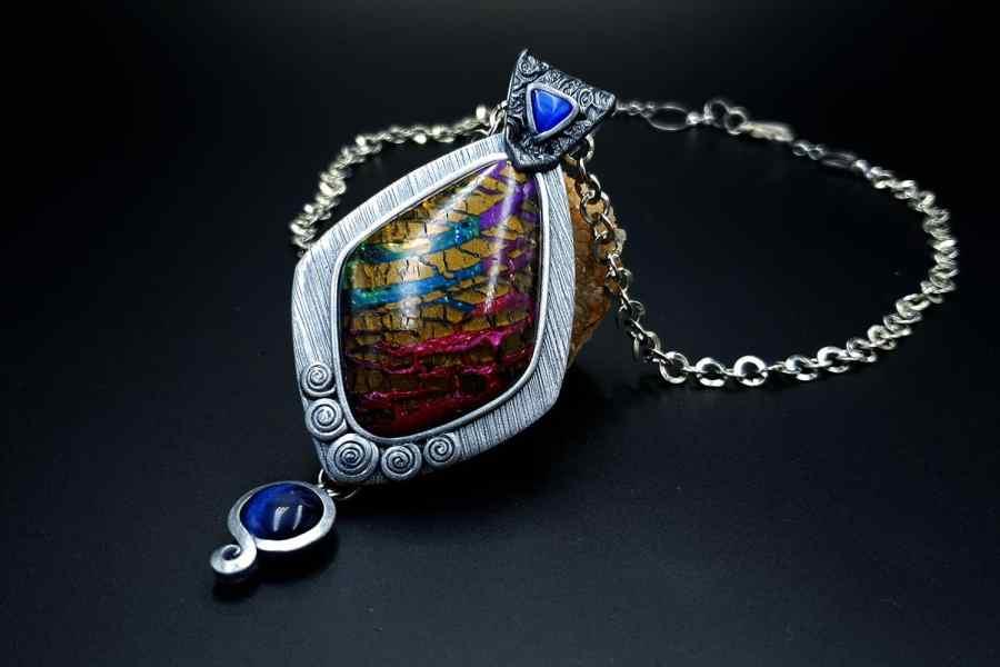 Product The Royal Treasure Pendant 02