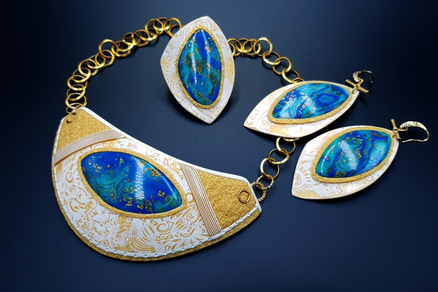 Windows Into the Ocean Jewelry set 04