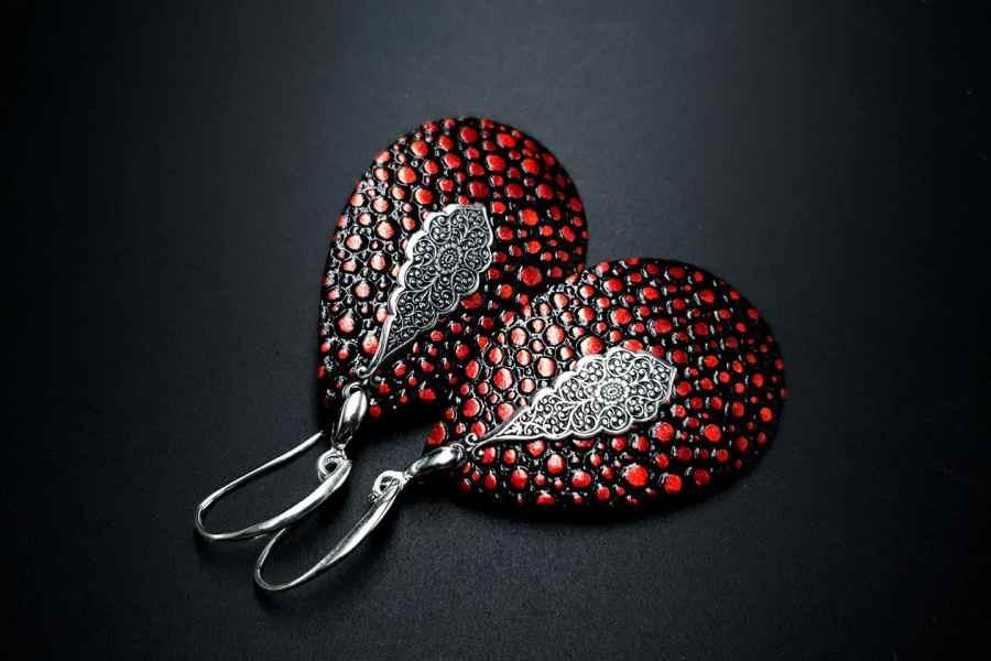 Earrings The Garnet 3
