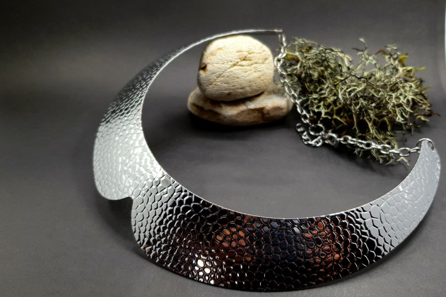Metal silver color textured base for necklace 2