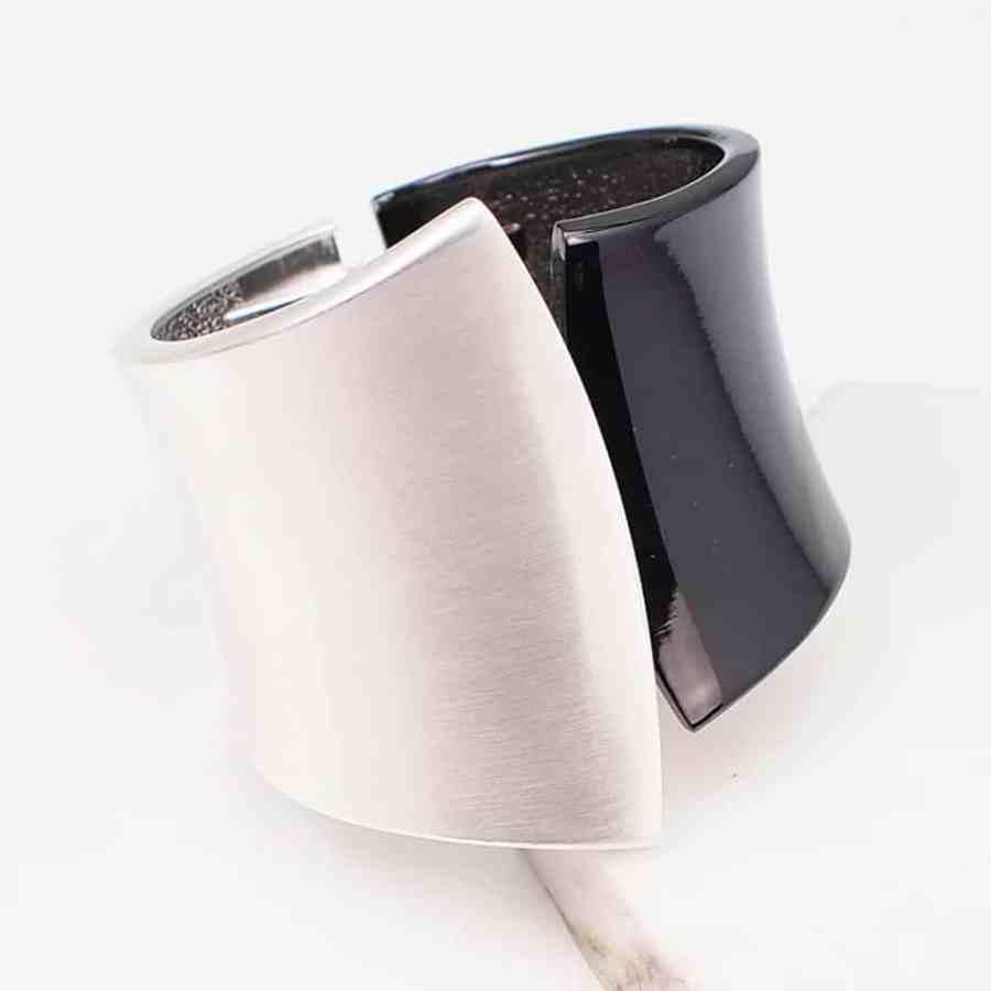 Metal base double side bracelet in Silver-Black color 3