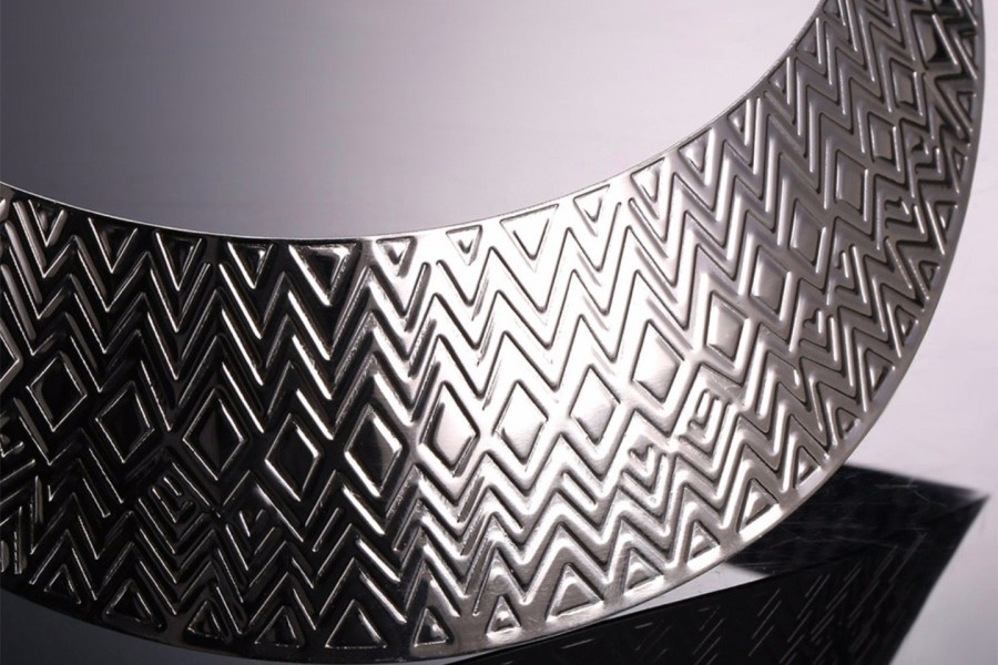 Metal Base Zigzag Pattern Silver Necklace 6