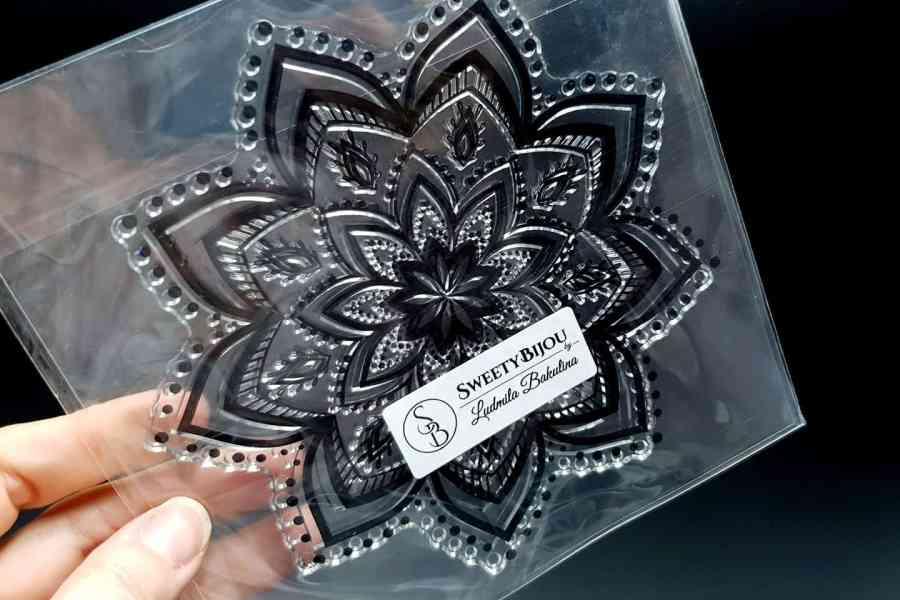Mandala Snowflake Pattern 2 (14.5x14.5cm) 1