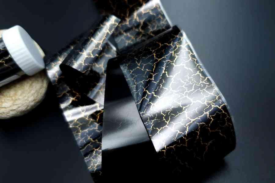 "Foils ""Black Cracks"" 4"