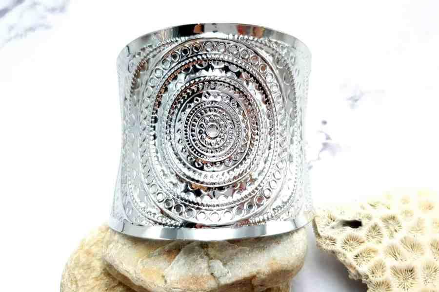 Bracelet metal base, circle pattern, silver color