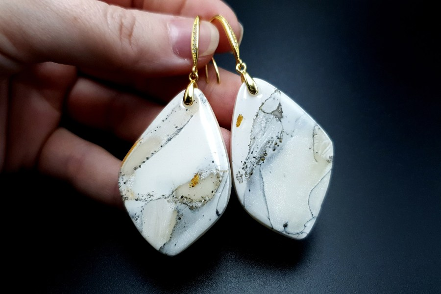 """""""Marble"""" Faux marble earrings 8"""