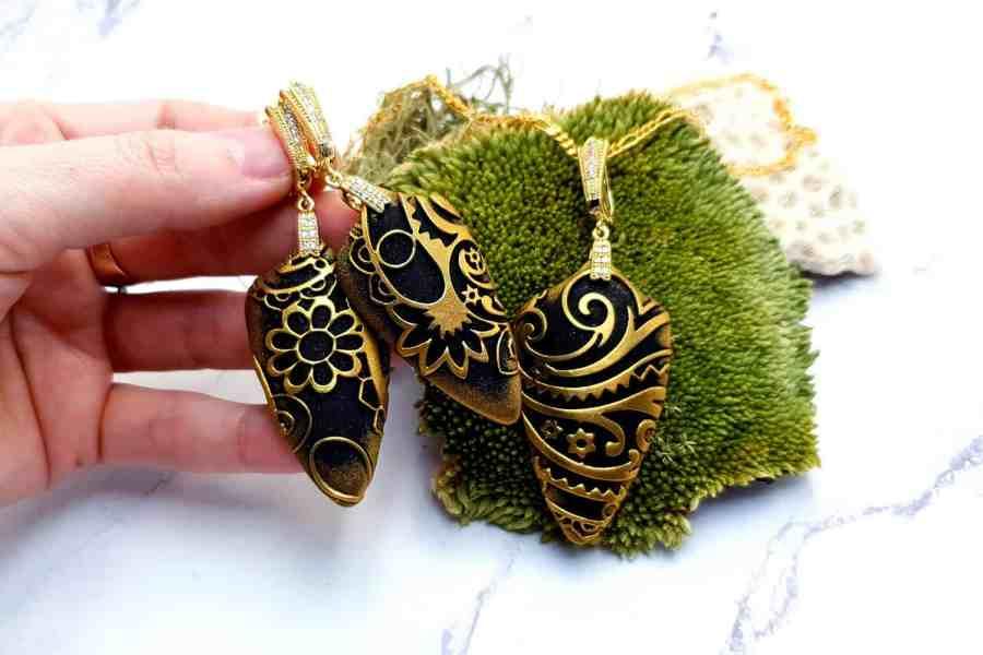 "Jewelry Set ""Golden Flowers on Black"" 4"