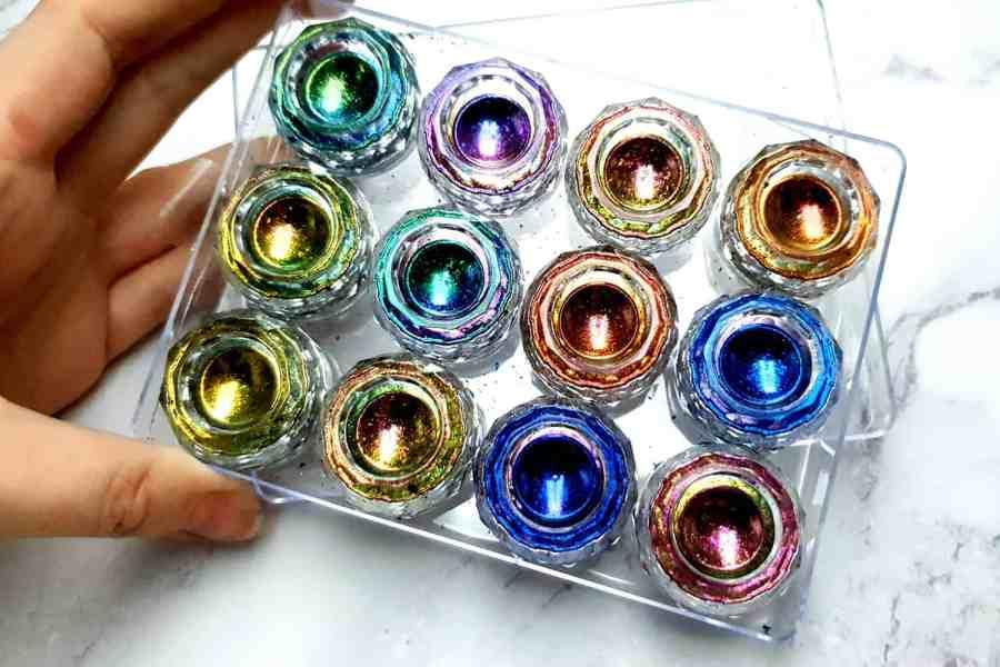 12 Jars/Set Colorful Chameleon Flakes