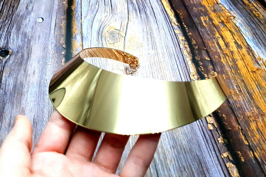 Golden Wide Necklace Base 4