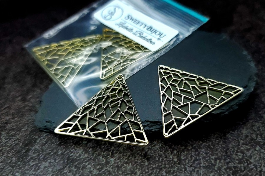 Pair of unique golden color triangle shape charms for earrings 1