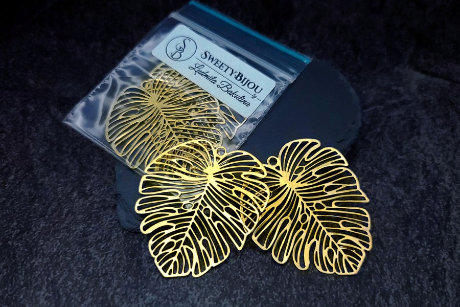 Pair of large gold vintage color exotic leafs charms for earrings 1