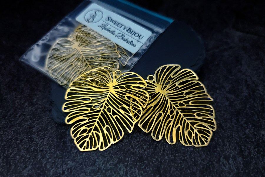 Pair of large gold vintage color exotic leafs charms for earrings 3