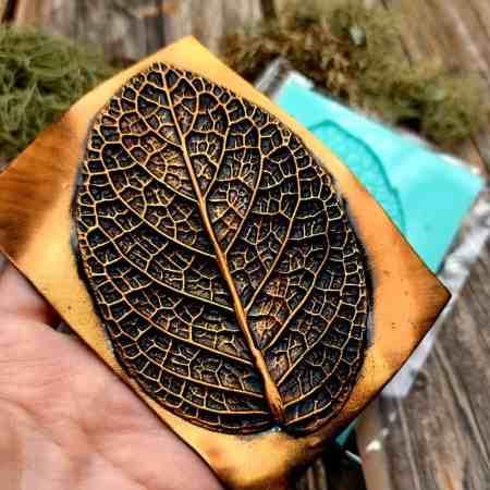 Deep Leaf Pattern – Handmade texture-mold of real leaf