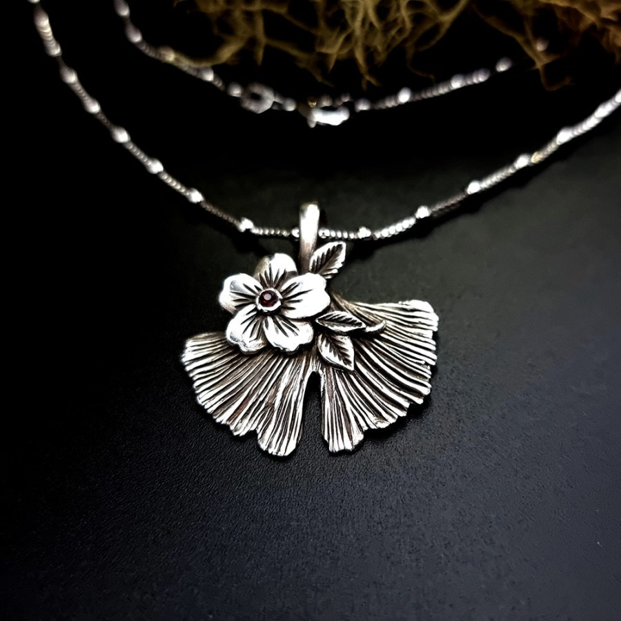 Unique Nature-inspired Silver Ginkgo Leaf Pendant (1 of 1)