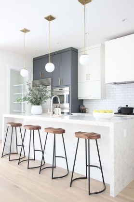 Amazing White Kitchen Design Ideas Which Will Make You Like Cooking 23