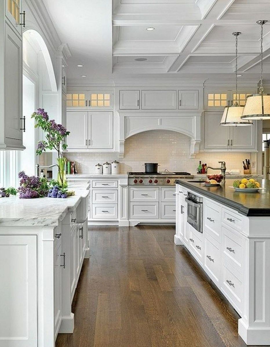 Amazing White Kitchen Design Ideas Which Will Make You Like Cooking 43