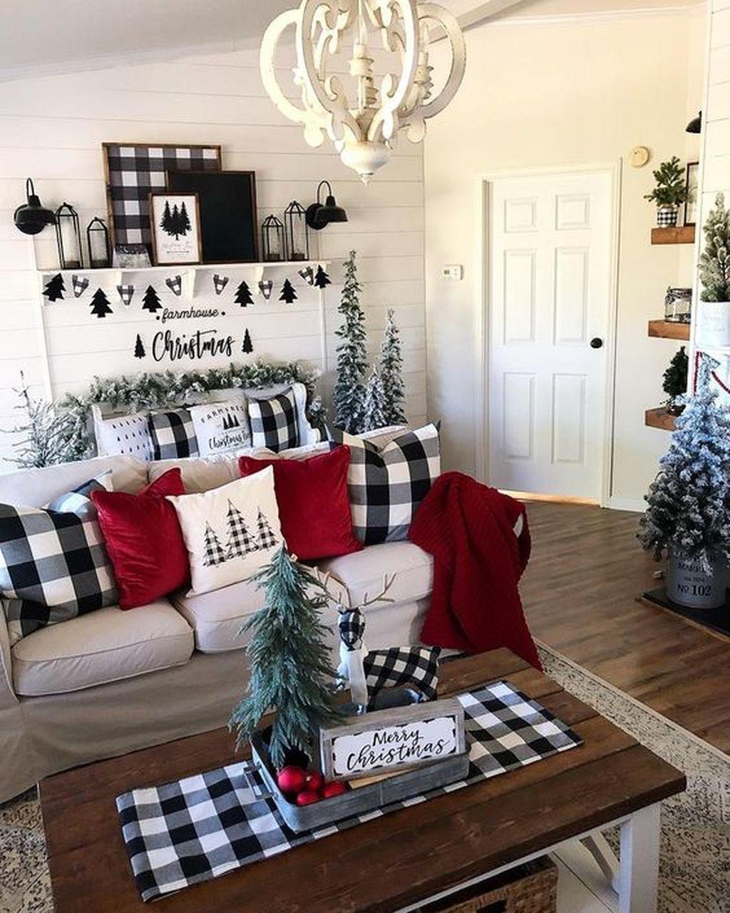Amazing Winter Home Decoration Ideas 31